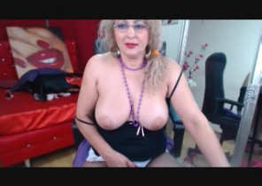 Super-steamy chat with  Newton le Willows cam slag MatureEroticForYou While I'm Tugging my muff