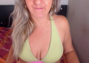 Ultra-kinky chat with  Edlington XXX show nymph PrettyLadyNaughty While I'm Toying with myself