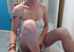 Open chat with  Arnsley 1 on 1 cam sex dame FolleCoquineX While I'm Tugging