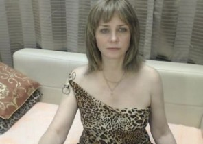 Single chat with  Ramsgate 1 on 1 cam sex girl MatureXLady While I'm Playing my asshole