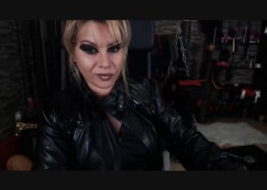 Steamy chat with  Kirkby 121 cam fun doll MistressAlicee While I'm Fumbling myself