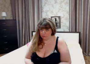 Individual chat with  Seaford cam woman LovelyBBW While I'm Fingering my ass