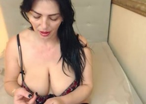 X-rated chat with  Chester le Street 1-2-1 sexy time dame MILFDelicious While I'm Jerking