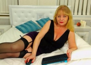 Open chat with  Warminster 121 adult chat slapper MissIlanitas While I'm Draining my labia