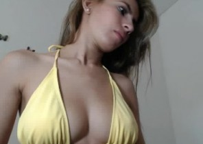 Instant chat with  Bracknell 1 on 1 adult chat doll RoxyHot69 While I'm Showcasing my slit