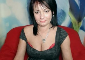 Super-naughty chat with  Tobermory XXX show slag CrystalXBlack While I'm Playing with my cunny