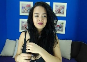 Rude chat with East London cam dame Dassmyne While I'm Getting naked