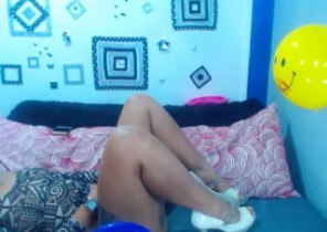 Supah hot chat with  Inveraray 1-2-1 sexy time chick KittiGlow While I'm Milking