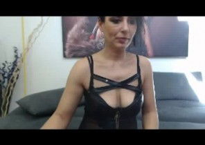 Dirty chat with  Rye strip show girl LorenaMilf While I'm Draining my twat