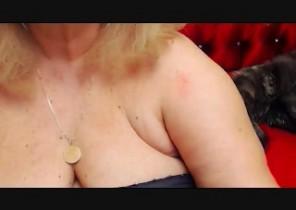 Kik chat with  Falkland horny cam female MartaFantasy While I'm Caressing myself