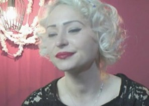 X-rated chat with  Chesterfield strip show dame KathyVonk While I'm While you jerk