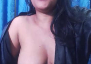 Individual chat with  Ulverston dirty 121 sex dame LoveSquirtX While I'm Toying my asshole
