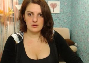 Online chat with  Retford dirty 121 sex doll BeautyLami While I'm Toying with myself