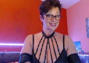 Appetizing chat with  Manchester dirty cam nymph Bettina While I'm Getting naked