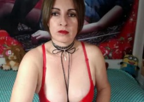 Iphone chat with  Clitheroe horny cam babe CuteMature While I'm Playing with myself