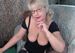 Immediate chat with  Huntingdon horny cam slapper HotSquirtyLady While I'm While you wank