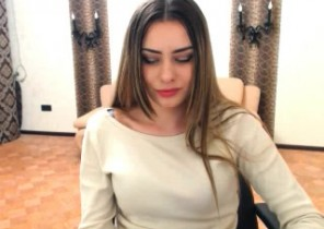 Horny chat with  Stafford 1 on 1 cam sex slag ChiliHotty While I'm Milking