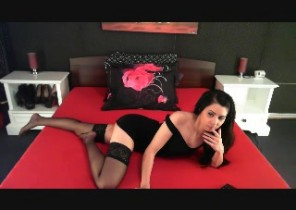Warm chat with  Minehead cam slapper ElinaLove While I'm Finger-tickling