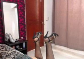 Dirty chat with  Pwllheli dirty cam chick HottieBlondeSexy While I'm Frolicking with myself