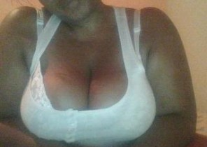 Iphone chat with  Bury 1 on 1 adult chat dame KinkyTanyaX While I'm Finger-tickling