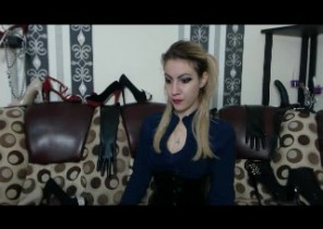 Rude chat with  Lockerbie cam female MissSelenaBlake While I'm Demonstrating my twat