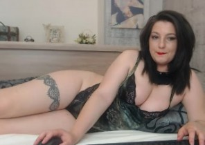 Iphone chat with  Sutton Coldfield 121 adult chat babe MoniqueLane While I'm Frolicking my asshole