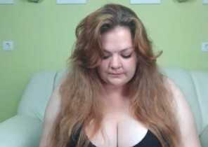 Online chat with  Brentwood strip show woman BestShina While I'm Groping myself