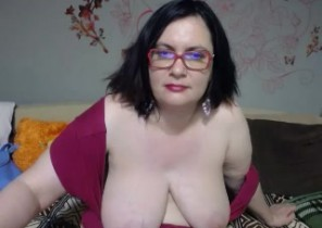 Gang chat with  Yeadon 1 on 1 adult chat slag BigTitsXHot While I'm Undressing