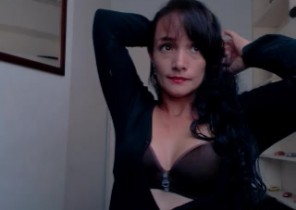 Live chat with  Horwich 121 adult fun slapper Brigyte While I'm Disrobing