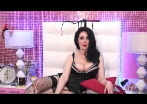 Gang chat with  Carlisle 121 cam fun dame PearlBlackX While I'm Unwrapping