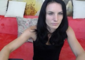 Android chat with  Ladybank cam dame DaisyTalli While I'm Masturbating