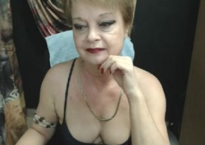 Highly Warm chat with  Falmouth 121 adult fun chick WildLadyy While I'm Disrobing