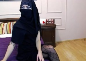 Rude chat with  East Grinstead horny cam slut Kaylaa While I'm Fondling myself