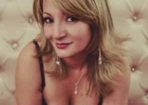 Sizzling chat with  Maldon 1 on 1 cam sex nymph SexyAllisonx While I'm Frigging