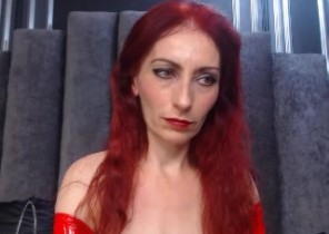 Online chat with  Rutherglen XXX Nude chick HotyRedHead While I'm Fingering my ass