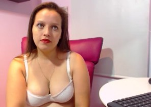 Warm chat with  Earsden dirty cam lady RachelCambers While I'm Jerking