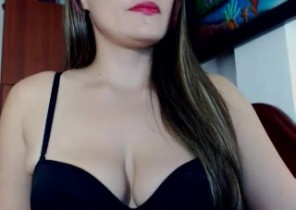 X-rated chat with  Spalding XXX cam chick NaughttySquirt While I'm Frigging