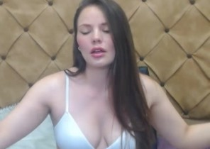 Online chat with  Westerham cam2cam previous girlfriend LianePoiluX While I'm Rubbin' myself