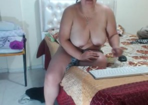 Iphone chat with  Wick Mutual Masturbation lady PrettySamy While I'm Fingering