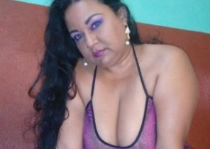 Delicious chat with  Campbeltown dirty cam slapper YuliHot While I'm Playing with my cunny