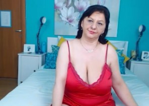 Edible chat with  Eaconsfield XXX cam female MILFPandora While I'm Masturbating