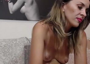 Steamy chat with  Rayleigh 121 adult fun female SophieDeee While I'm Stripping