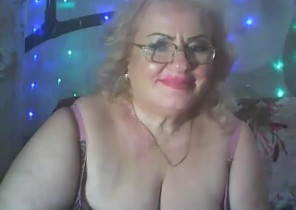 Warm chat with  Stafford 1-2-1 sexy time ex gf LoriKiss While I'm Draining