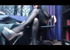HARD-CORE chat with  Kilmarnock horny cam girl MistressDecadence While I'm Tugging my muff