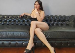 Sloppy chat with  Gainsborough cam2cam slag MirandaHarry While I'm Undressing