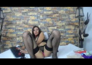 Sloppy chat with  Largs strip show lady Daleska69 While I'm Frigging