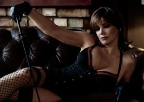 Group chat with  Fordingbridge horny cam tramp MistressLaurie While I'm Unclothing