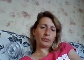 Muddy chat with  Cleethorpes 121 adult chat lady AliceShinyS While I'm Finger-tickling